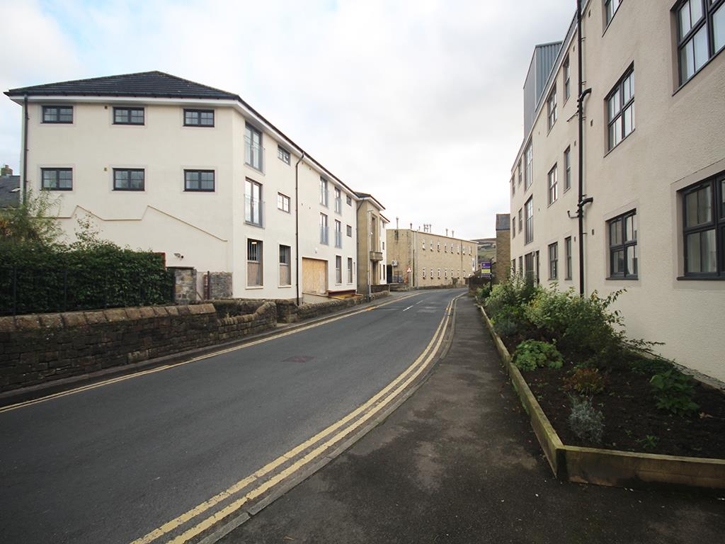 2 bedroom apartment To Let in Earby - IMG_5173.jpg